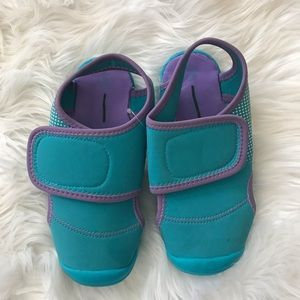 NWOT Girl's Water Shoes